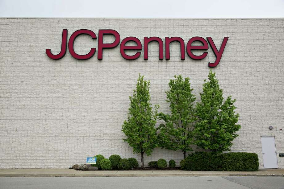 JCPenny in Beaumont is expected to hire more than 50 seasonal workers. Parkdale Mall celebrated its 45th anniversary this year. Click through to see photos from the retail center's beginning. Photo: Bloomberg Photo By Daniel Acker. / © 2018 Bloomberg Finance LP