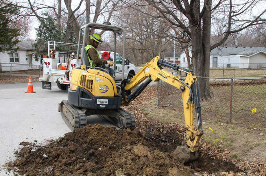 Ameren Illinois is installing nearly 15,000 feet of new natural gas lines in and around the River Aire neighborhood to improve approximately 260 individual customer services in Godfrey. Photo:       For The Telegraph