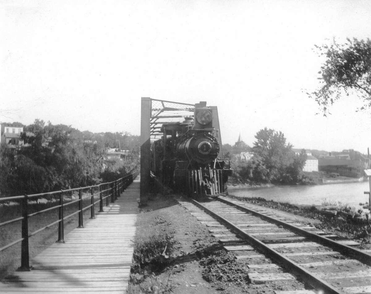 The Black Bridge that spans the Catskill Creek in 1900.
