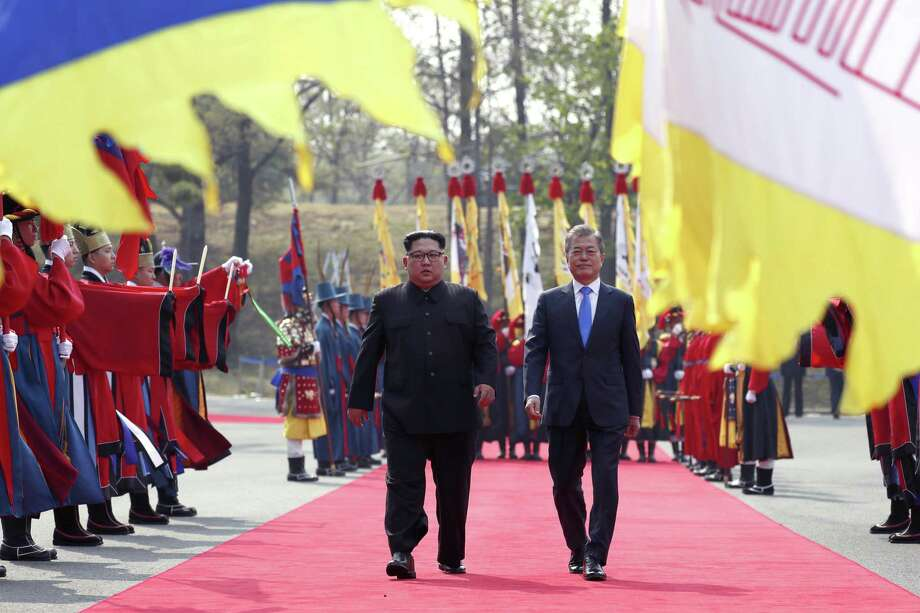 North Korean leader Kim Jong-un (left) walks alongside Moon Jae-in, the president of South Korea, at the demilitarized border village of Panmunjom in late April 27. A reader says Kim Jong-un may be getting the upper hand over President Trump regarding the proposed talks over the nuclear disarmament of North Korea. Photo: KOREA SUMMIT PRESS POOL /NYT / KOREA SUMMIT PRESS POOL