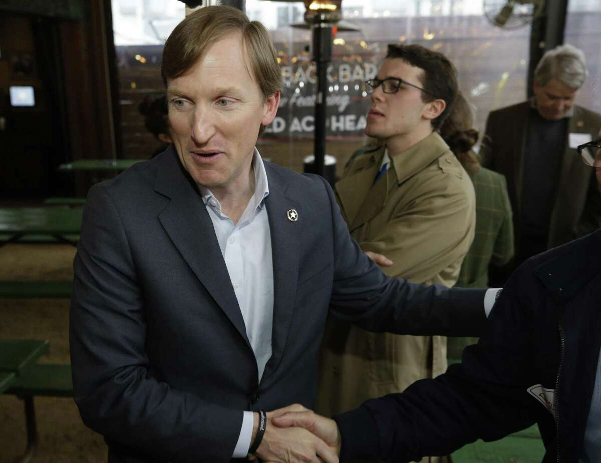 Andrew White, a Democratic candidate running for governor of Texas, talks with supporters during event at Kirby Ice House in Houston on Wednesday, Feb. 7, 2018. ( Melissa Phillip / Houston Chronicle )