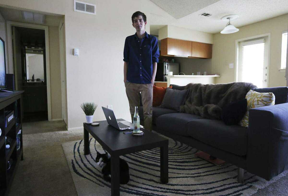 Brandon Davis, 26, moved to San Antonio from the Dallas-Fort Worth area in August 2016. San Antonio topped the national list for largest raw numeric growth in population among all U.S. cities of 50,000 residents or more between 2016 and 2017, according to new data just released by the U.S. Census Bureau.