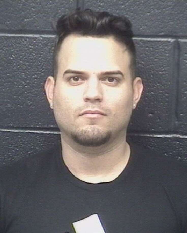 Yasser Ramon Hernandez, 33, was charged credit or debit card abuse. Photo: Laredo Police Department