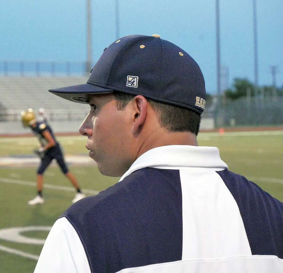Sergio Salinas had his first official action as Alexander's head coach in Wednesday's spring game. Salinas came to the Bulldogs after six seasons at United South. Photo: Cuate Santos /Laredo Morning Times / Laredo Morning Times