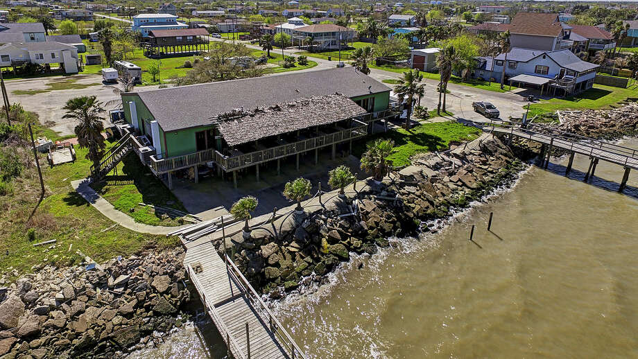 The 18th Street Fishing Pier Bar & Grill is listed for sale at $1.9 million. Photo: Simien Properties