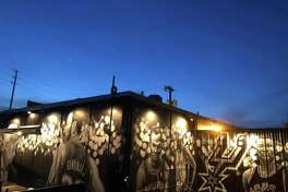 Rudy's Seafood, a South Flores staple, commissioned Nik Soupè of Los Otros Murals to turn an exterior wall of the restaurant into a Silver & Black ode. The mural was completed this week with the addition of Tim Duncan and David Robinson.