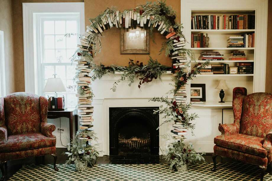 Book Arches Are In Demand Especially For Weddings Photo Lindsey Zern Photography
