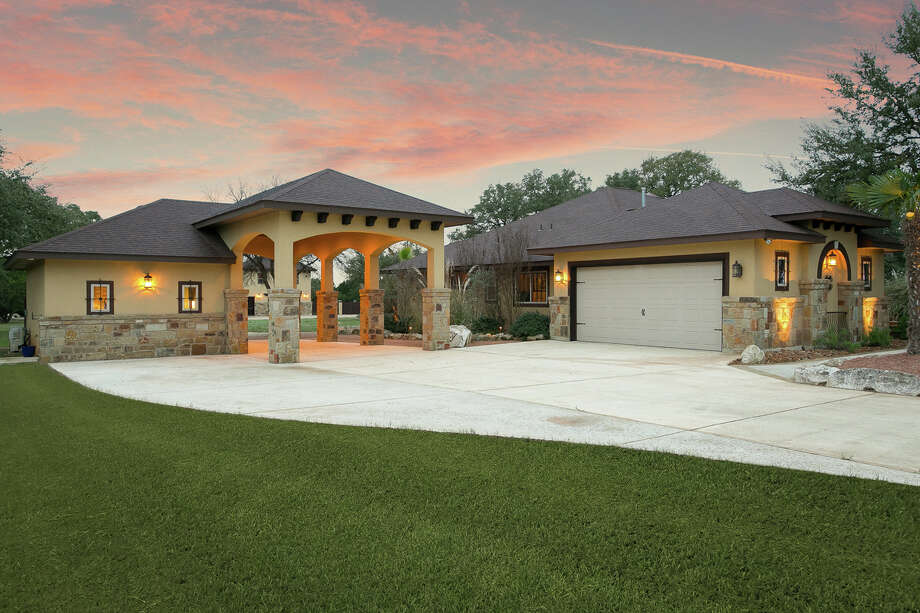 Sponsored by Kris Kroll of Keller Williams San Antonio VIEW DETAILS for 354 RIO AZUL, PIPE CREEK, TX 78063 When: 12-3pm, Saturday, May 26, 2018 MLS: #1297137 Photo: Photo Provided By Keller Williams / Bright and Early Productions