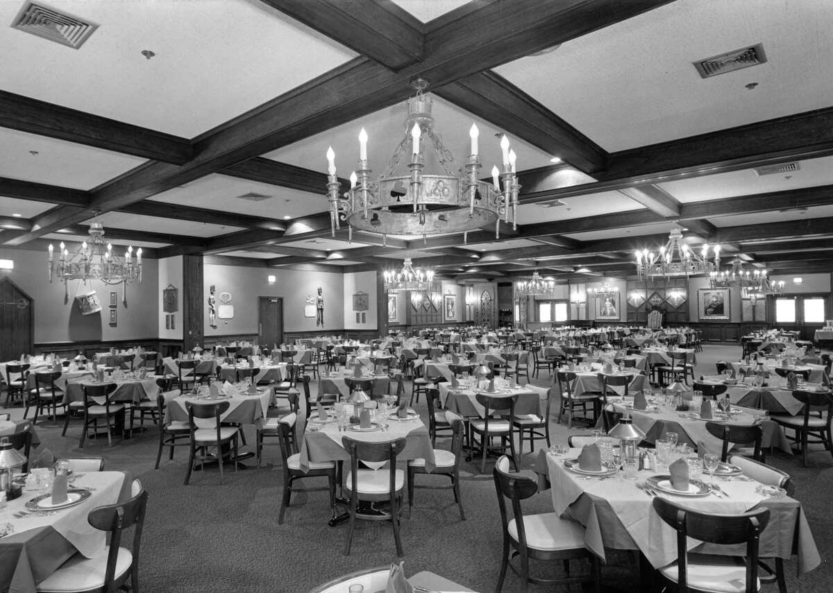 Sonny Look's Sir-Loin Inn (shown here in a 1967 photo) was decorated in replica Medieval English. The dining rooms could accommodate 450 guests at once.