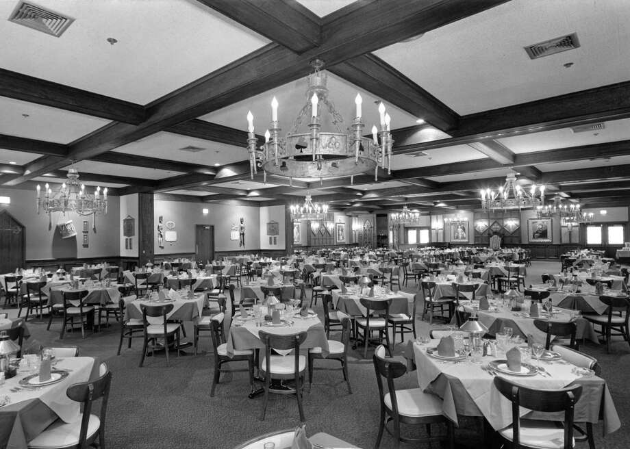 Sonny Look's Sir Loin Inn (shown here in a 1967 photo) was decorated in replica Medieval English. The dining rooms could accommodate 450 guests at once. Photo: Houston Chronicle / Houston Chronicle