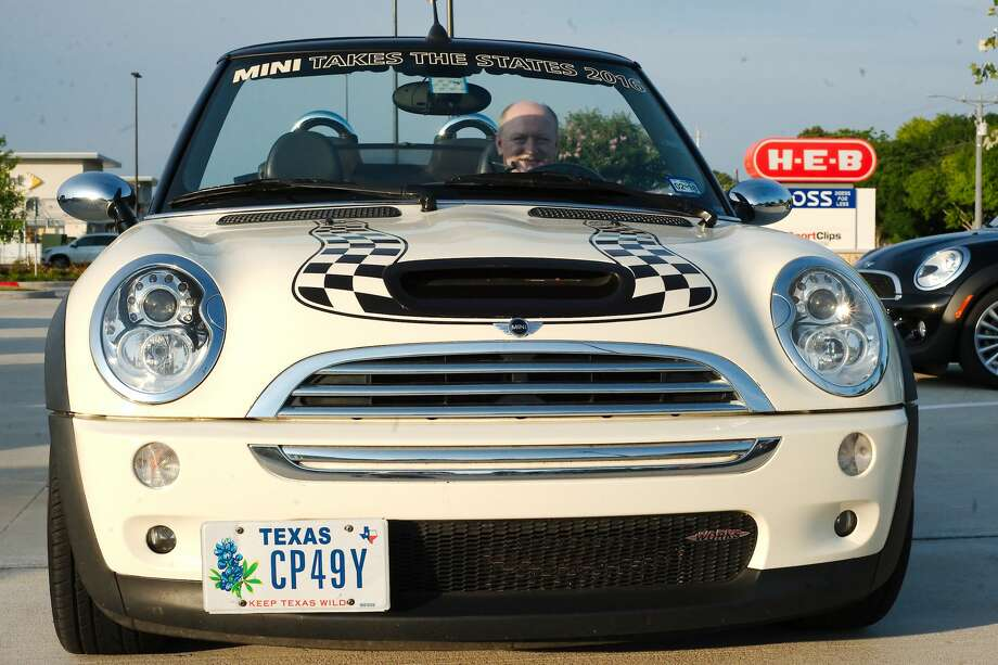 Mini Cooper Houston >> Bay Area Mini Cooper Owner S Group Rolls In Clear Lake Houston