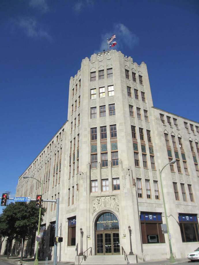 The Express-News building at the corner of Avenue E and 3rd Street is seen in a Dec. 28, 2015 photo. Photo: TERRY BERTLING, STAFF / San Antonio Express-News / © 2015 San Antonio Express-News