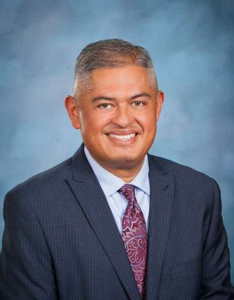 Eduardo Hernandez is the lone finalist for superintendent of Edgewood ISD, the district's board members decided Thursday evening. Photo: Courtesy Photo
