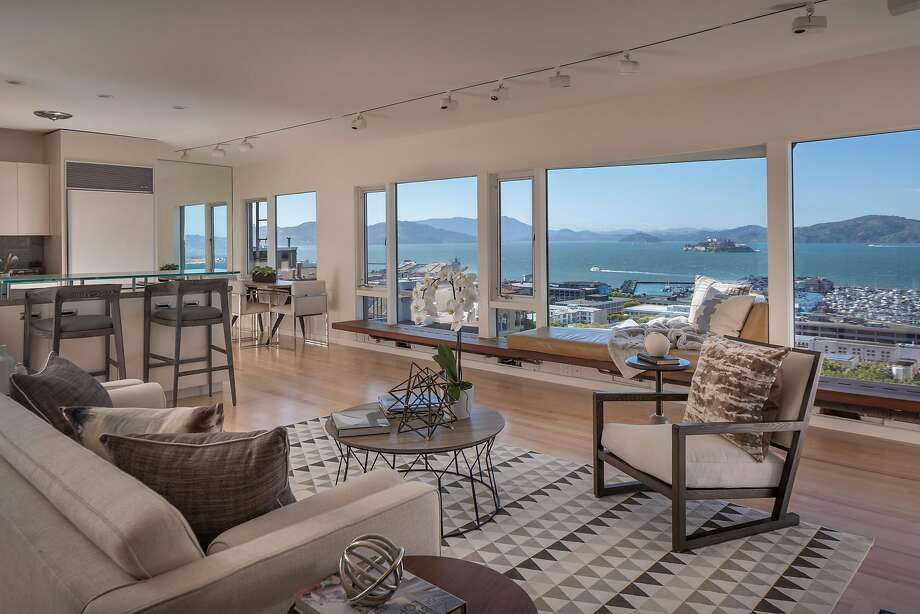Price Point 2 9 Million In Telegraph Hill Sfgate