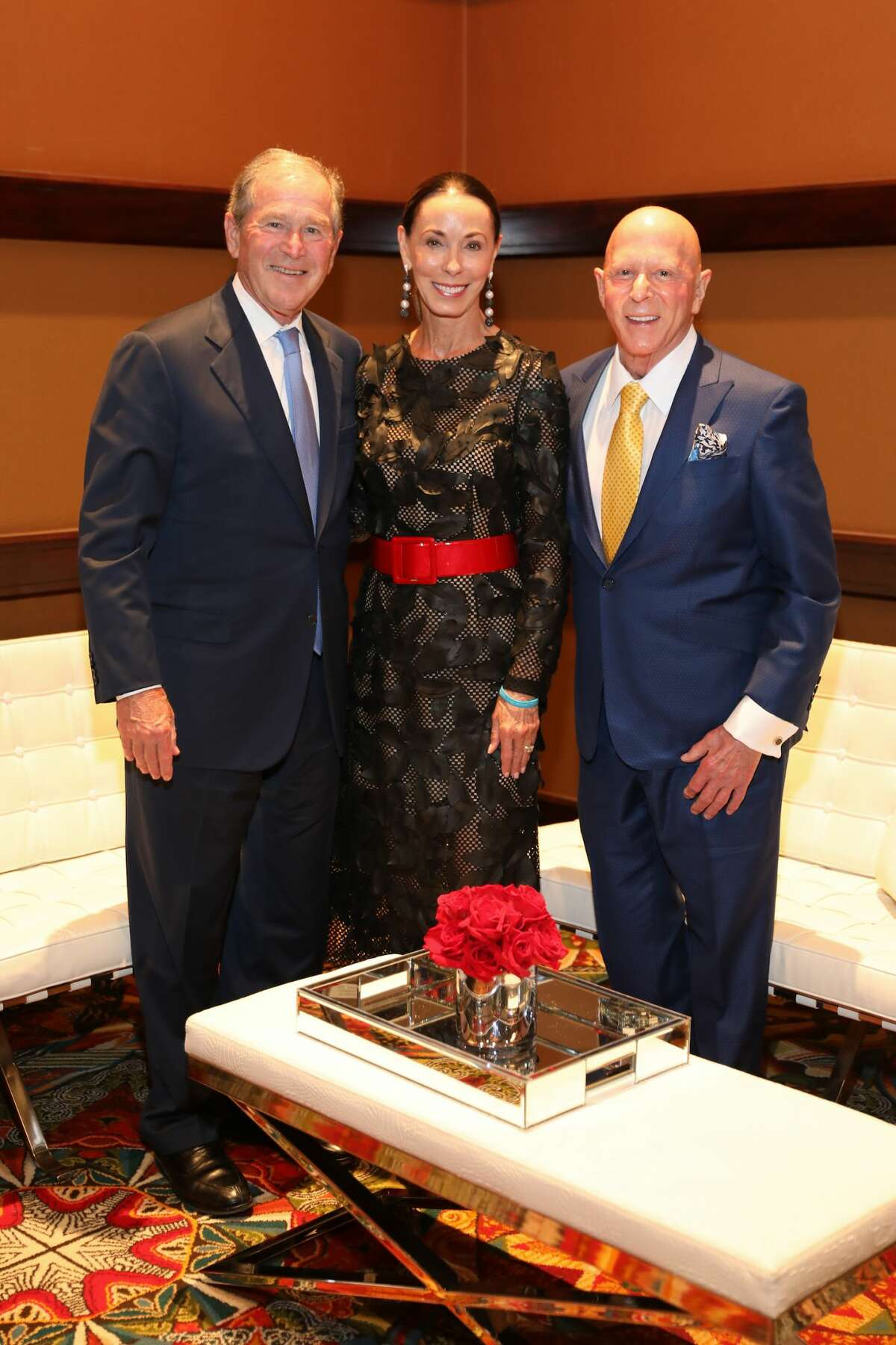 President George W. Bush with Sue and Lester Smith