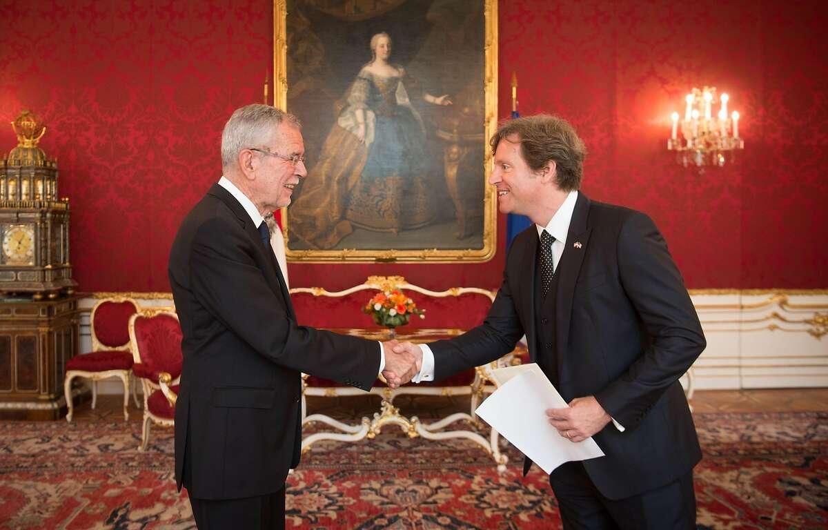Trevor D.Traina (right), U.S, Ambassador to Austria, presents his credentials Thursday to� Dr. Alexander Van der Bellen, federal president of the Republic of Austria.