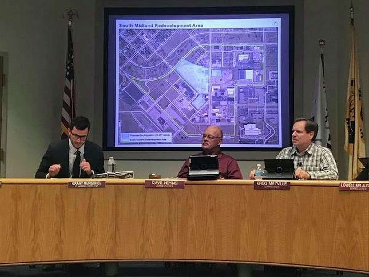 The City of Midland Planning Commission supports a proposal Tuesday from the Economic Development Corp. to acquire 11 acres of land currently owned by Fisher Sand and Gravel.