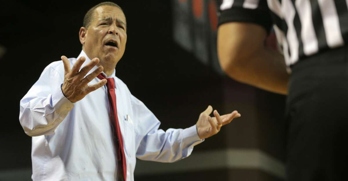 Houston Cougars head coach Kelvin Sampson isn't pleased with a call in the second half against Connecticut Huskies at H&PE Arena at TSU on Sunday, March 4, 2018, in Houston. Houston Cougars won the game 81-71. ( Elizabeth Conley / Houston Chronicle )