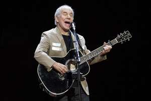 Paul Simon kicks off his Homeward Bound: The Farewell Tour in Vancouver, British Columbia.
