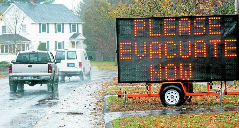 Hurricane Sandy:  Main St. Old Saybrook. Mara Lavitt/New Haven Register ¬  ¬ 10/29/12 Photo: Vmwilliams / Journal Register Co.