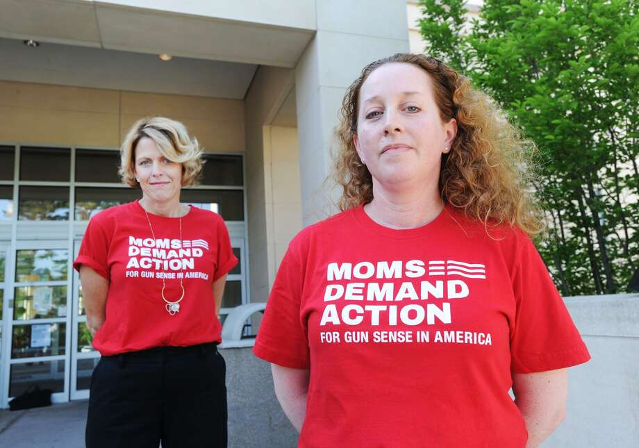 Greenwich residents, Michele Voigt, left,  and Jen Barro, members of the Greenwich chapter of Moms Demand Action, part of a national organization dedicated to lessening gun violence, in front of Greenwich Library, Conn., Friday, May 25, 2018. Photo: Bob Luckey Jr. / Hearst Connecticut Media / Greenwich Time