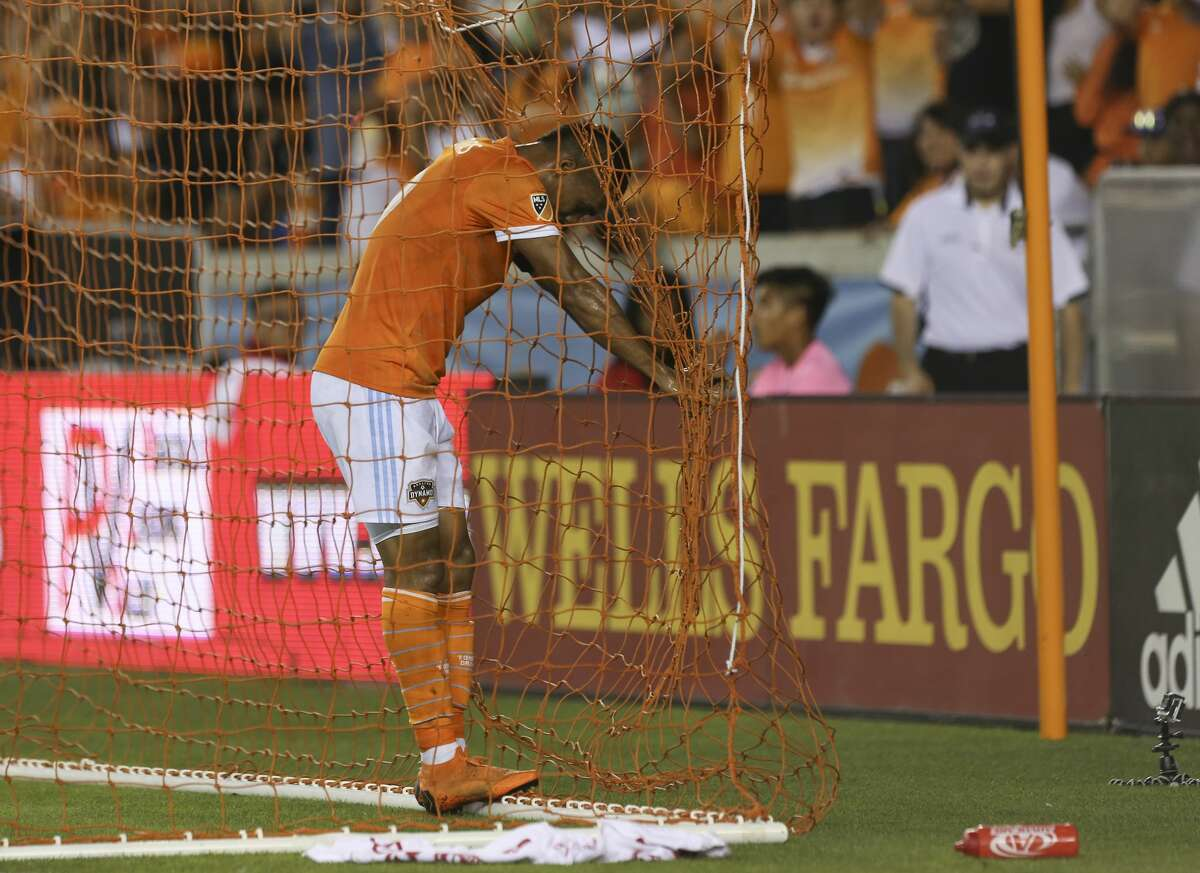 Houston Dynamo forward Mauro Manotas (9) reacts to missing a cross intended for him in front of the posts during the second half of the MLS game against the New York City at BBVA Compass Stadium on Friday, May 25, 2018, in Houston. The Houston Dynamo defeated the New York City 3-1. ( Yi-Chin Lee / Houston Chronicle )