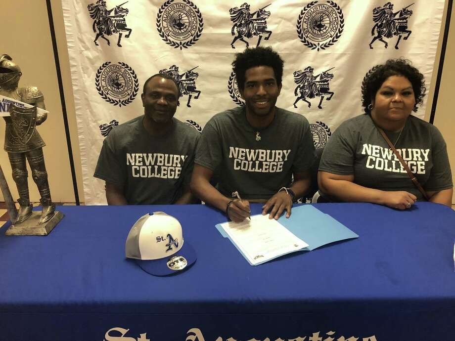 St. Augustine basketball star D'Andre Griffin signed his National Letter of Intent with Newbury College of Boston on Friday morning. Photo: Ben Arthur /Laredo Morning Times