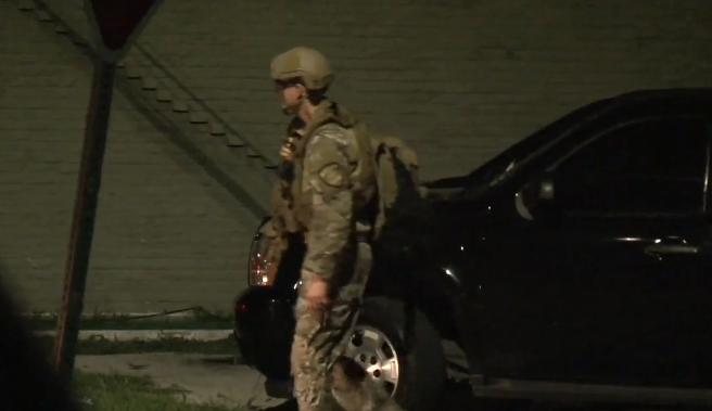SWAT called after man barricades himself in south Houston home with two children - Houston Chronicle