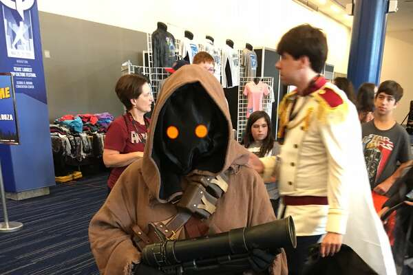 "A fan dressed as a Jawa, from ""Star Wars,"" at Comicpalooza."
