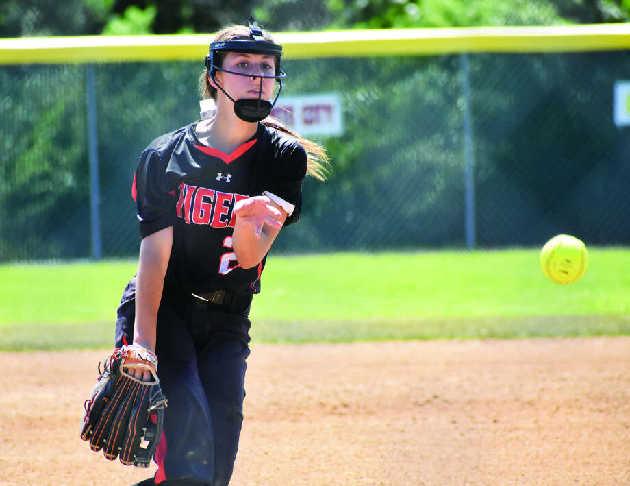 Edwardsville starting pitcher Jordyn Henricks delivers a pitch to a Springfield Sacred Heart-Griffin hitter in the first inning of the Class 4A Alton Regional championship game on Saturday in Alton.