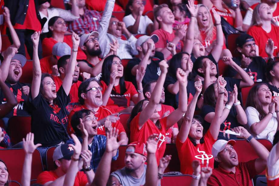 >>>Click through to see there Houston basketball fans rank compared to every other city (Steve Gonzales / Houston Chronicle )  Photo: Steve Gonzales/Houston Chronicle