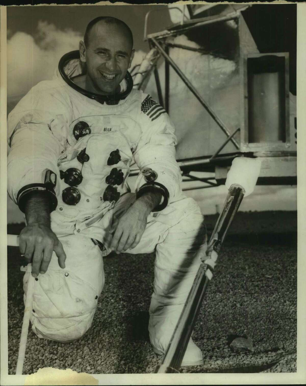 A 1973 Press Photo Astronaut Alan Bean. Bean, 86, died on Saturday, May 26, 2018 at Houston Methodist Hospital in Houston. His death followed his suddenly falling ill while on travel in Fort Wayne, Indiana two weeks before.