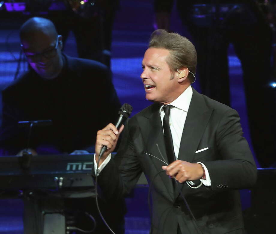 Luis Miguel performs in the Toyota Center Sunday, May 27, 2018, in Houston. Photo: Steve Gonzales, Houston Chronicle / © 2018 Houston Chronicle