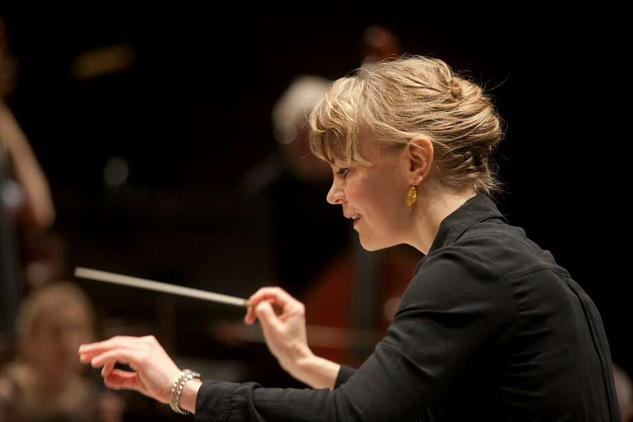 Susanna Mälkki conducts the S.F. Symphony in mu sic by Scriabin, Tchaikovsky and Kaija Saariaho. Photo: Stefan Bremer