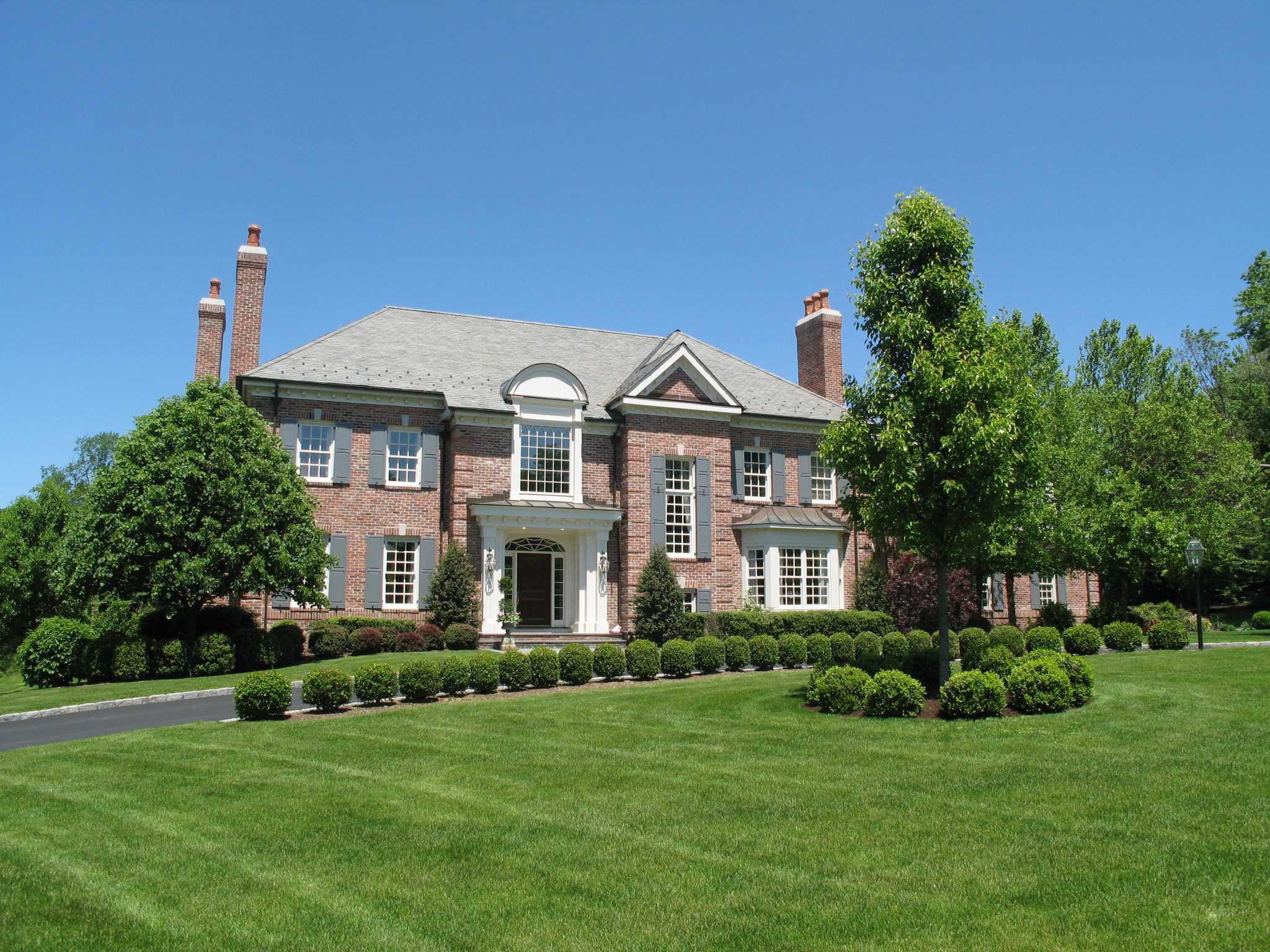 Brick And Slate Estate Boasts 10 000