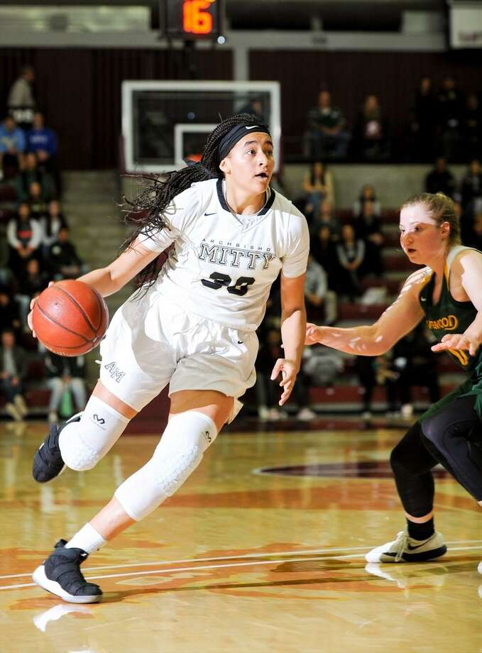 Haley Jones, Gatorade's California Girls Basketball Player of the Year last season as a junior, is a recruiting target for UConn. Photo: Samuel Stringer / MaxPreps