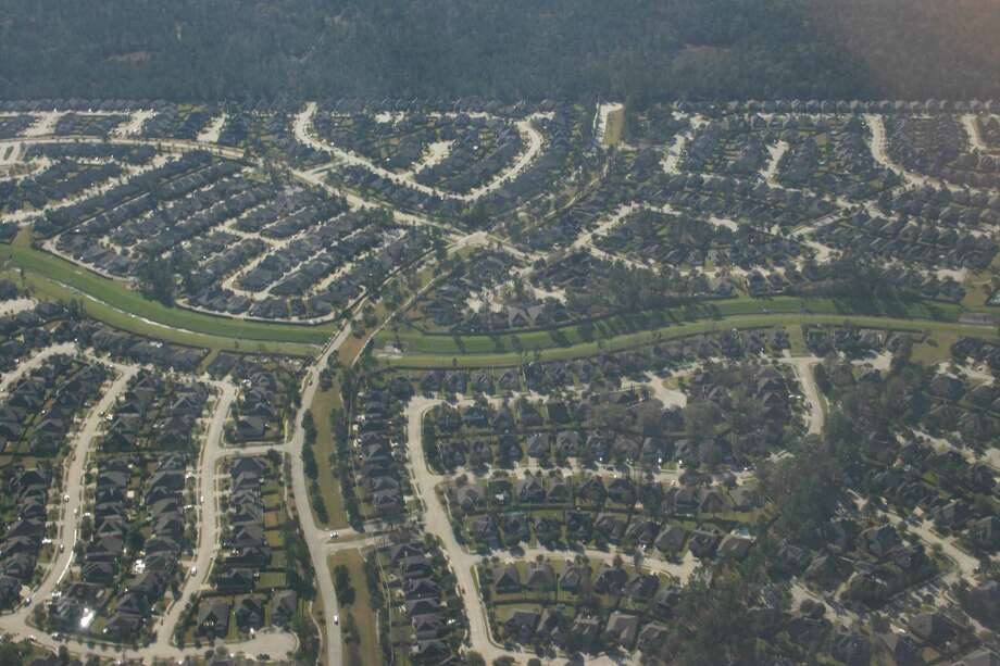 An aerial view of houses on the west side of Lake Houston. Photo: Bill Montgomery, Houston Chronicle
