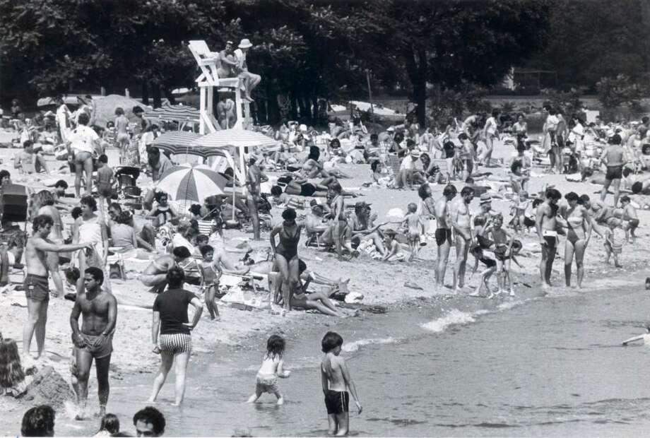 July 7, 1985 - Holiday weekend crowd at Cove Island Park, Stamford CT Staff file photo Tom Ryan Photo: ST