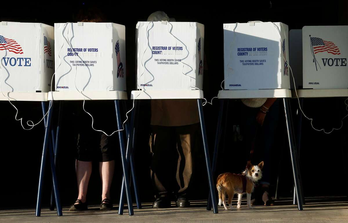 People cast their votes at the Los Angeles County Fire Department Lifeguard Operations in Venice on Nov. 5, 2016. (Genaro Molina / Los Angeles Times)