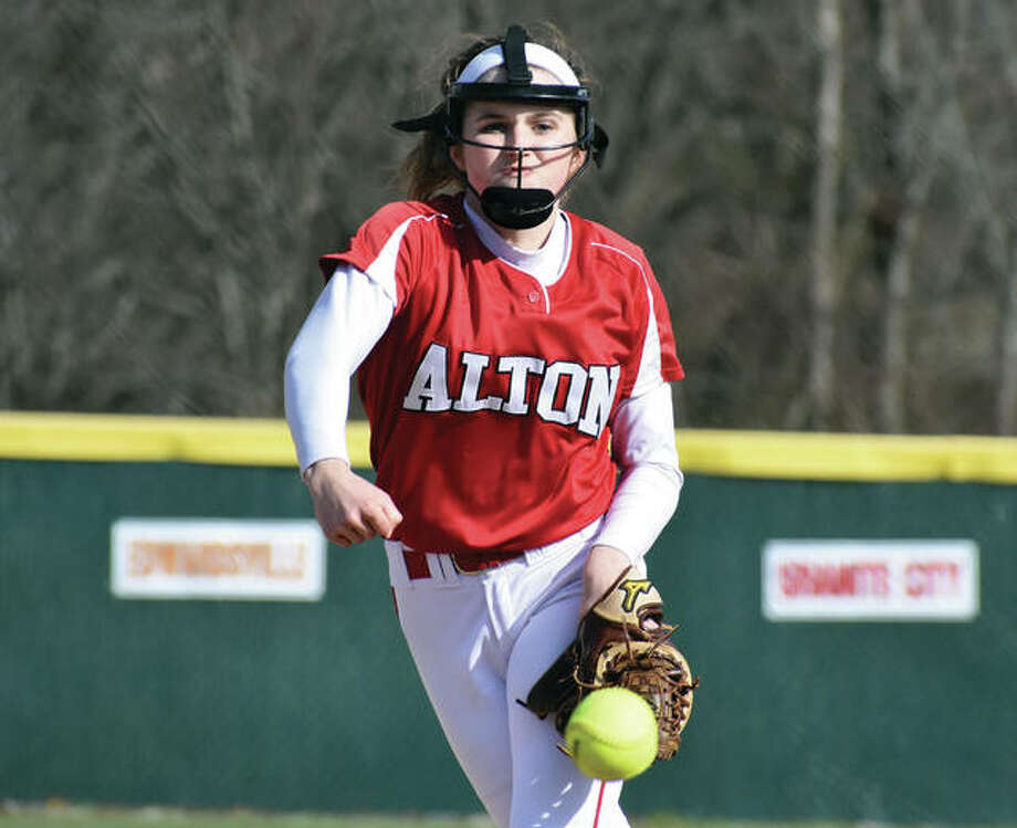 Alton sophomore Abby Scyoc delivers a pitch to the plate during a Southwestern Conference game against Edwardsville earlier this season at Alton High in Godfrey. Photo:       Matthew Kamp / Hearst Newspapers