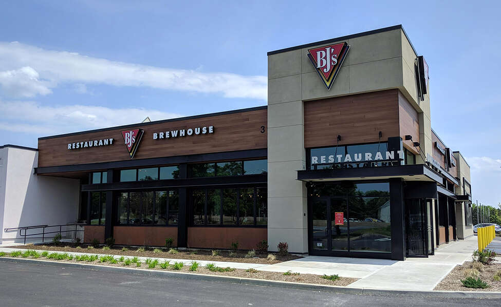 BJ's Restaurant & Brewhouse occupies the south end of the former Sears Auto Center at Colonie Center.