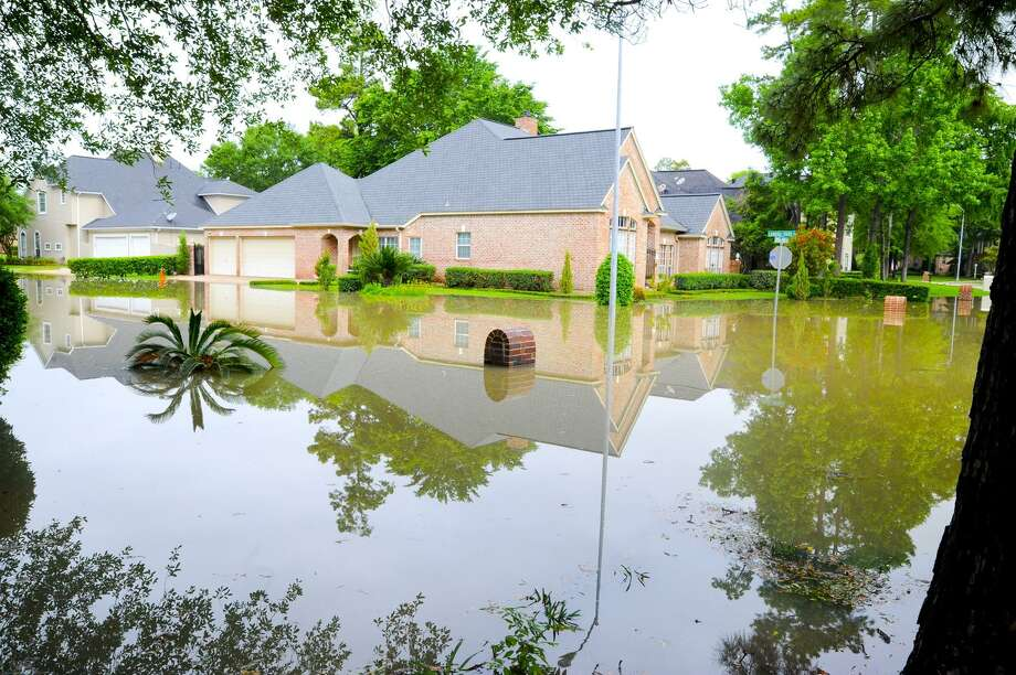 New Florida-based Neptune Flood says it can provide cheaper, faster flood insurance online. Above, the Cypresswood area in Houston was hit hard by flooding from Cypress Creek during Hurricane Harvey. Photo: Tony Gaines / Tony Gaines