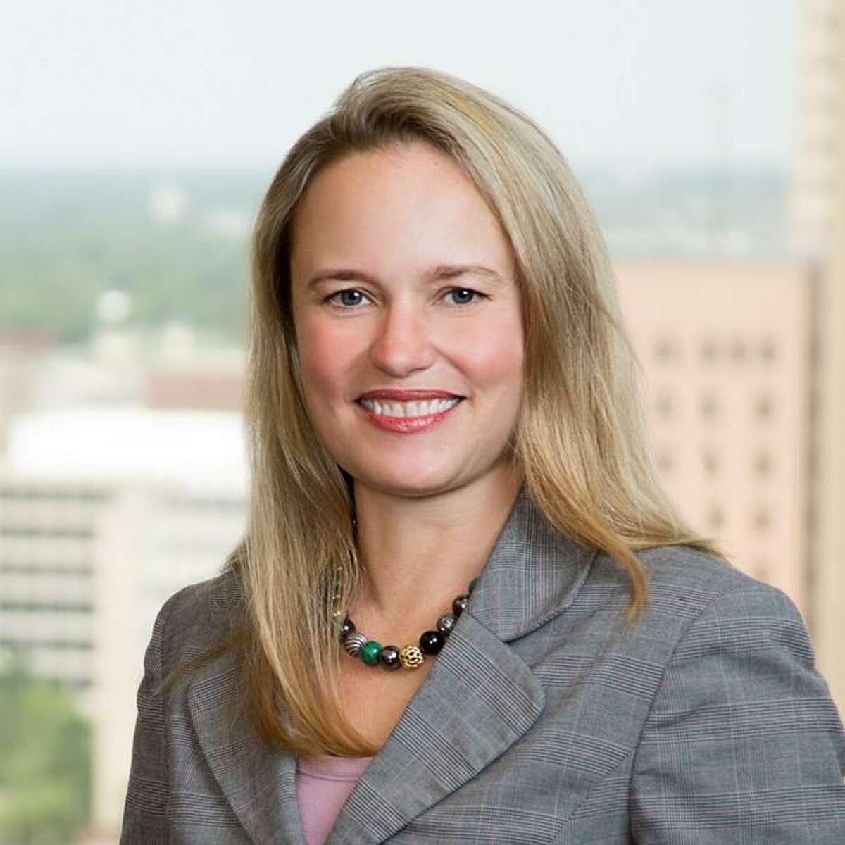 Bankruptcy litigator Elizabeth Carol Freeman, a former law clerk for the U.S. Bankruptcy Court, has joined Jackson Walker as a partner.