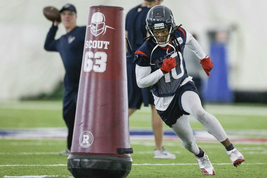 Houston Texans wide receiver DeAndre Hopkins (10) runs a route while going through drills at the Texans Practice Facility Wednesday, May 30, 2018 in Houston. (Michael Ciaglo / Houston Chronicle) Photo: Michael Ciaglo, Houston Chronicle / Houston Chronicle / Michael Ciaglo