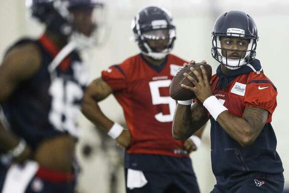 Houston Texans quarterback Deshaun Watson (4) makes a pass while running through drills at the Texans Practice Facility Wednesday, May 30, 2018 in Houston. (Michael Ciaglo / Houston Chronicle)