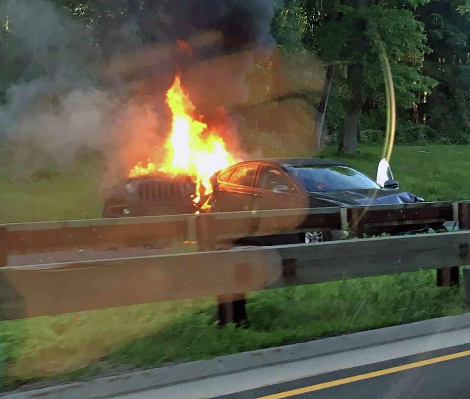 A reported car fire on Route 15 in Fairfield, Conn., on May 30, 2018. Photo: Viktoria Sundqvist / Hearst Connecticut Media / Connecticut Post