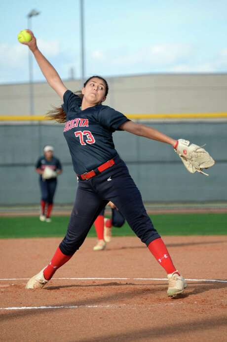 Atascocita ace righthander Jenika Lombrana has a 1.04 ERA with 175 strikeouts in 161 2/3  innings for the Eagles this season. Photo: Craig Moseley, Staff / Houston Chronicle / ©2018 Houston Chronicle