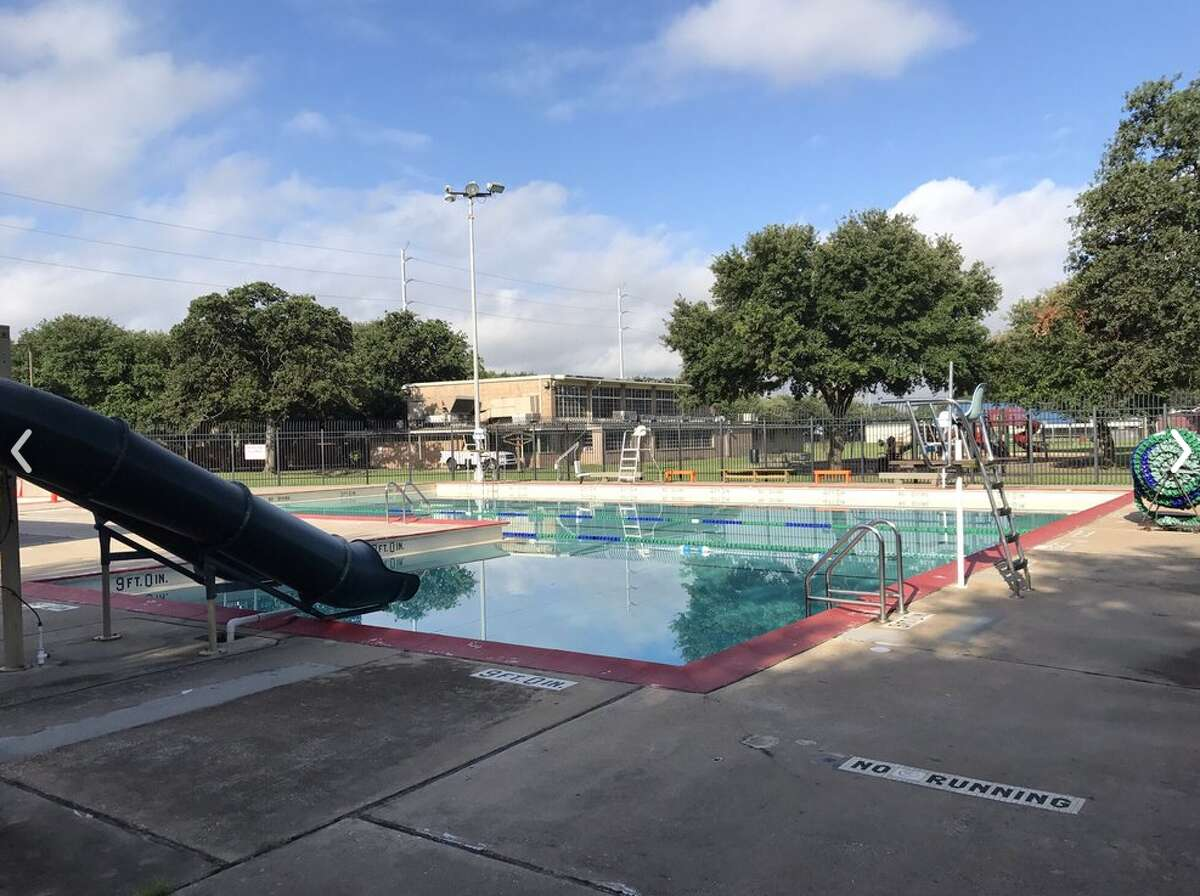 Love Pool (public) 25-yard six-lane pool with waterslides and a separate kiddie pool. 1000 W. 12th, 713-867-0490