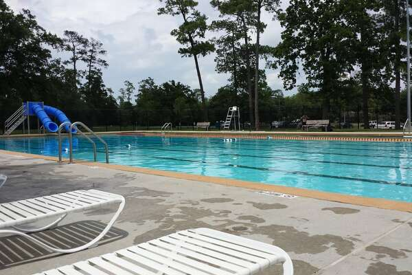 Houston s texas shaped pool is now open to the public for a price for Williams indoor pool swim lessons