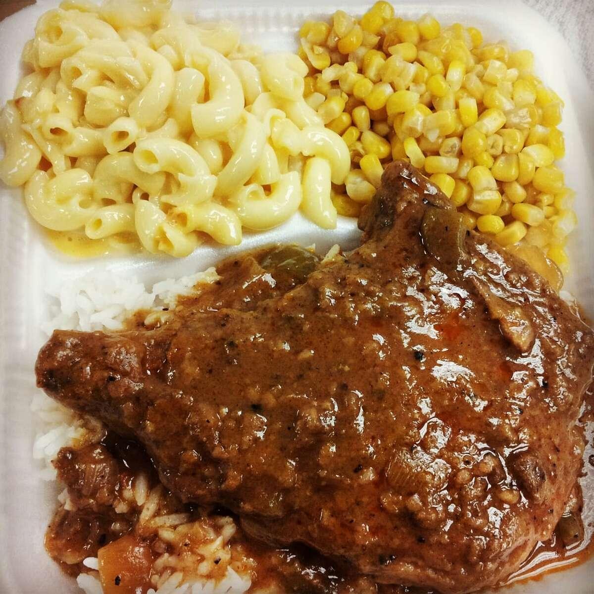 Houston's Finest Soulfood on WheelsFind it here, MeyerlandMenu: Oxtail, fried shrimp, smothered pork chops.Photo: Yelp/Kellie Y